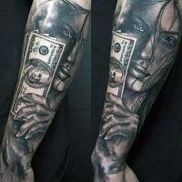 Сколько получает тату-мастер?