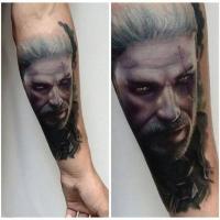 Татуировка с портретом ведьмака Геральта (Witcher 3) в стиле хоррор