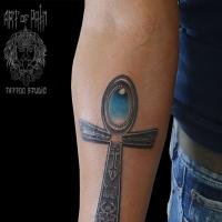 Фото тату с символом вечной жизни