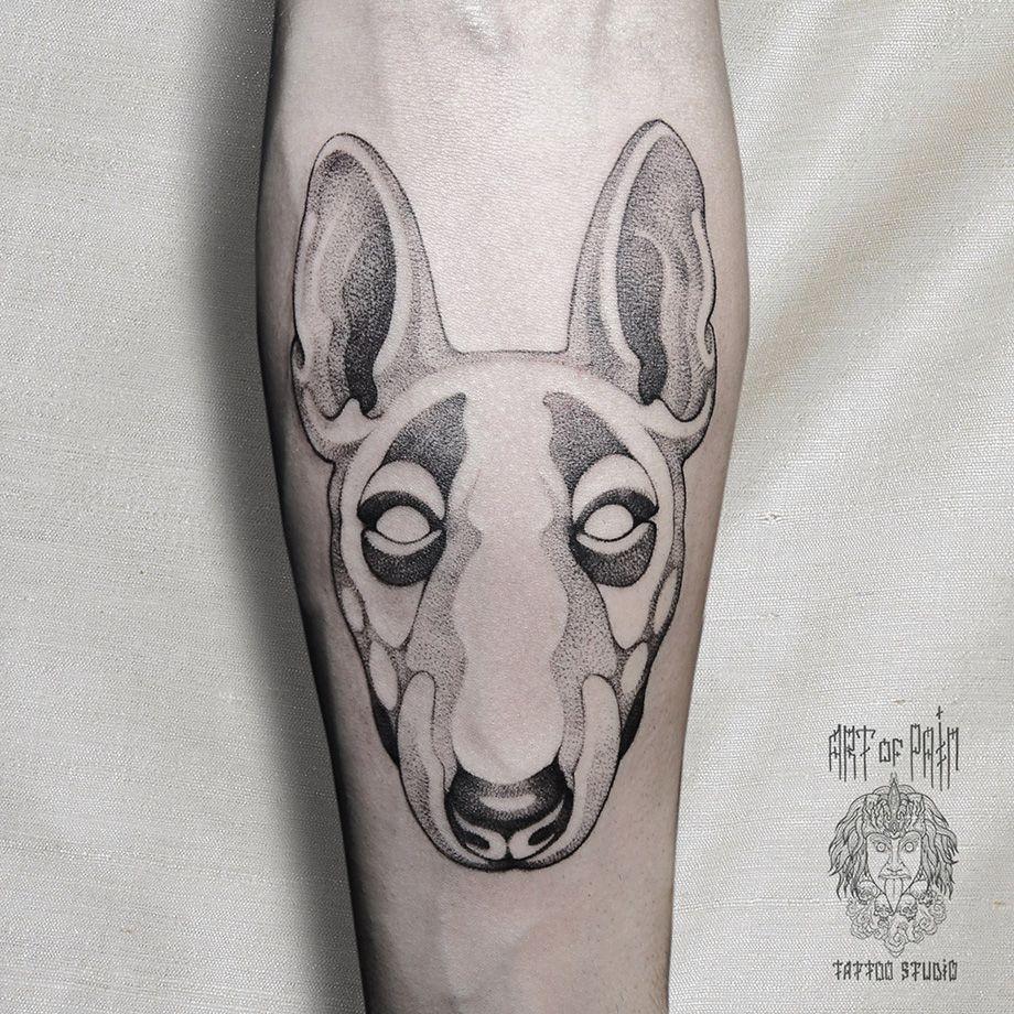 Татуировка мужская графика на предплечье животные