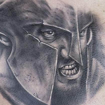 Татуировка мужская реализм на груди воин