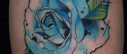 Татуировка женская акварель на плече роза