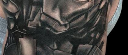 Татуировка мужская Black&Grey на плече железный человек