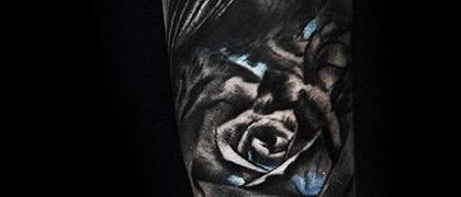 Татуировка женская Black&Grey на предплечье птица