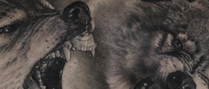 Татуировка мужская реализм на груди волки