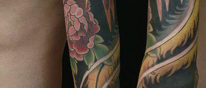 Татуировка мужская япония рукав павлин