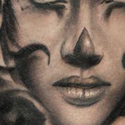 Татуировка женская чикано на бедре портрет