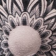 Татуировка мужская графика на локте мандала