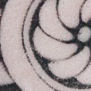 Татуировка мужская графика на предплечье роза ветров