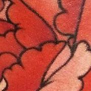 Татуировка женская нью скул на предплечье цветы