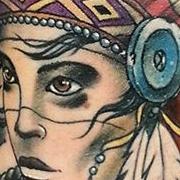 Татуировка женская нью скул на предплечье портрет