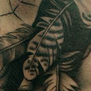 Татуировка женская реализм на лопатке ловец снов