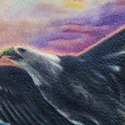 Татуировка женская реализм на лопатке орел