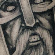 Татуировка мужская реализм на ноге воин