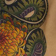 Татуировка женская япония на боку змея