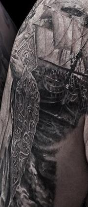 Татуировка мужская Black&Grey на груди религиозная