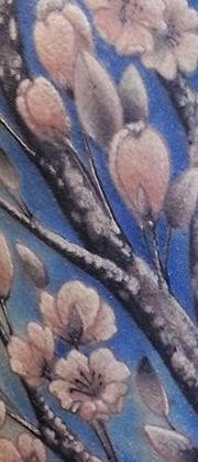 Татуировка женская реализм на плече цветы