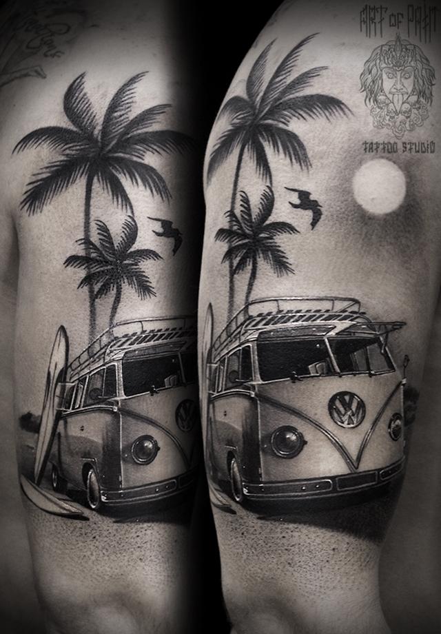 Татуировка мужская реализм на плече минивен – Мастер тату: Слава Tech Lunatic