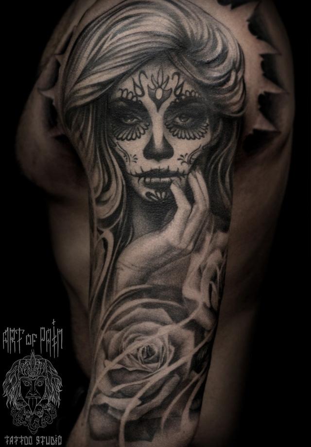 Татуировка мужская чикано на плече девушка морте – Мастер тату: Слава Tech Lunatic