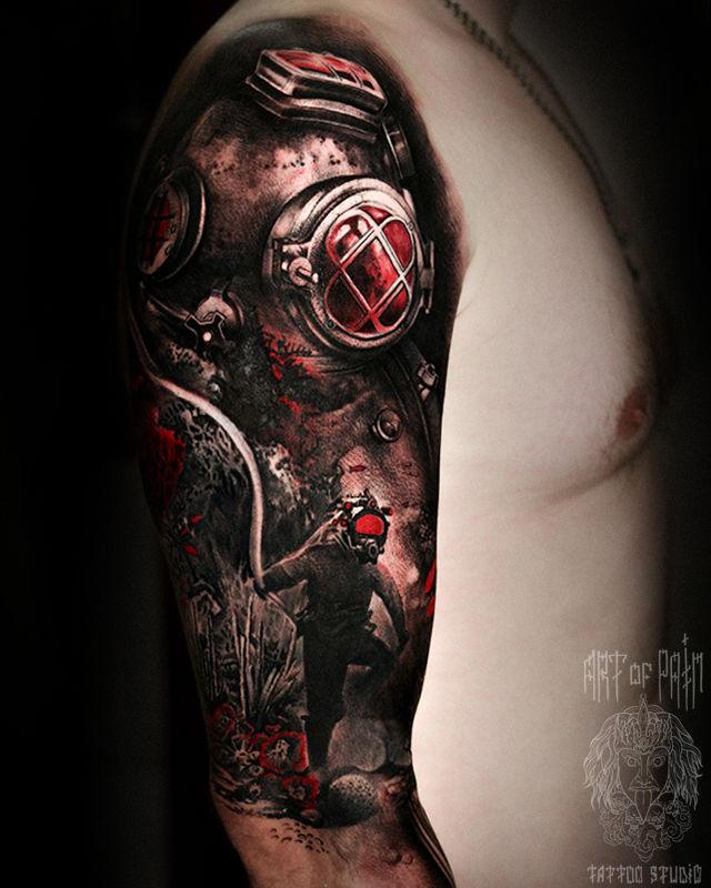 Татуировка мужская реализм на плече водолаз – Мастер тату: Слава Tech Lunatic