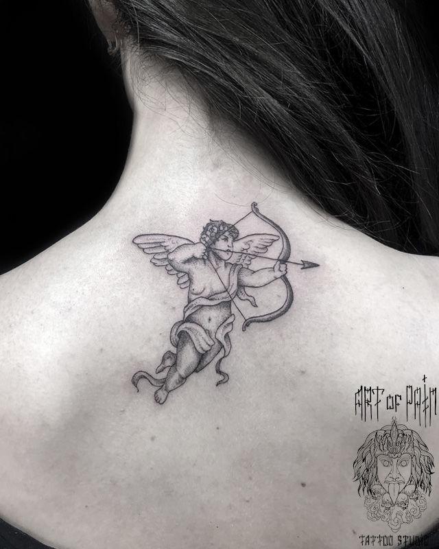 Татуировка женская графика на спине ангел – Мастер тату: Мария Котова