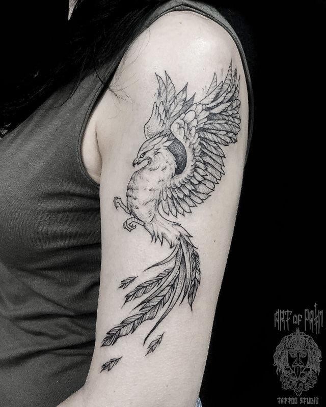 Татуировка женская графика на плече феникс – Мастер тату: Мария Котова