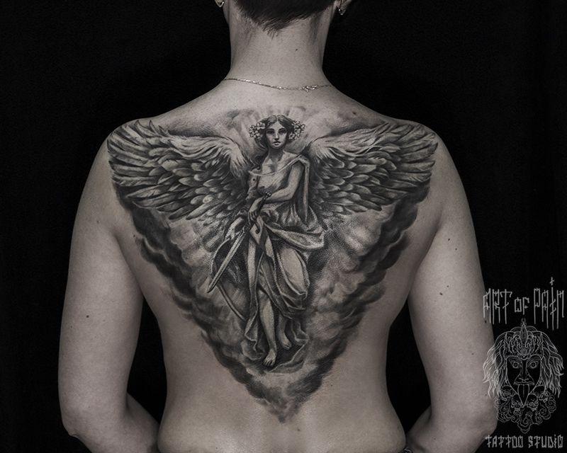 Татуировка женская Black&Grey на спине ангел – Мастер тату: