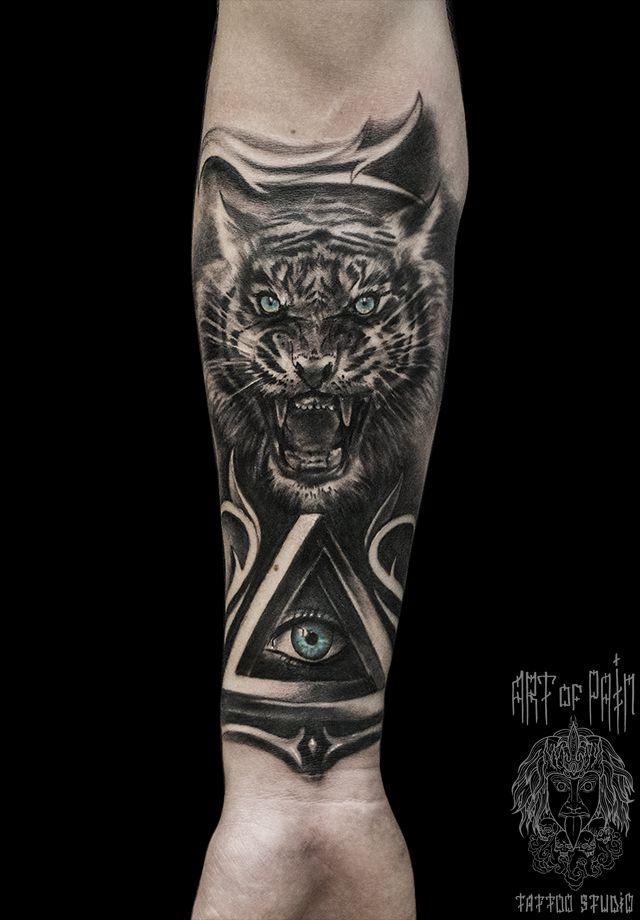 Татуировка мужская Black&Grey на предплечье тигр – Мастер тату: Слава Tech Lunatic