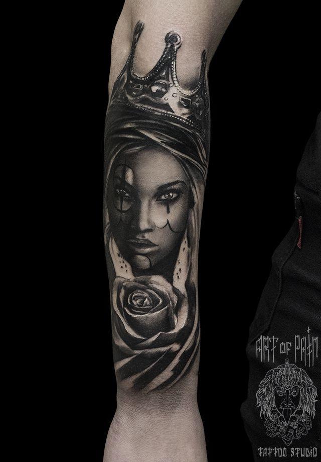 Татуировка мужская чикано на предплечье девушка с короной и розой – Мастер тату: Слава Tech Lunatic