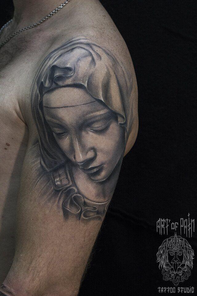 Татуировка мужская чикано на плече классическая Мадонна – Мастер тату: Слава Tech Lunatic
