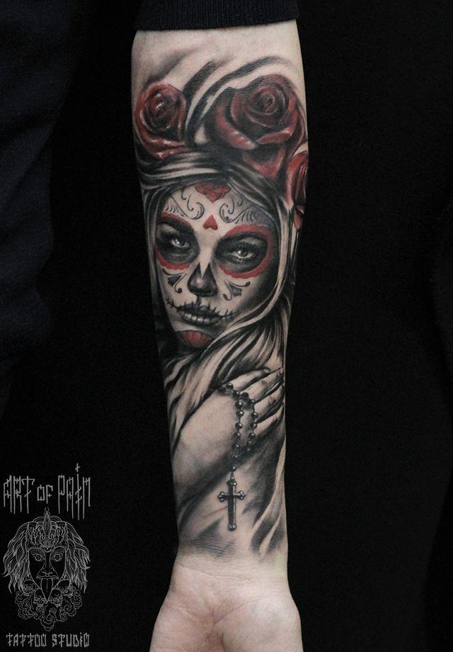 Татуировка мужская чикано на предплечье Муэрте с крестом – Мастер тату: Слава Tech Lunatic