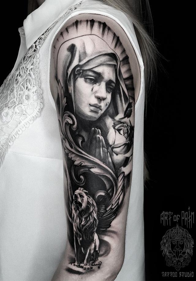 Татуировка женская black&grey на плече дева – Мастер тату: Анастасия Крохотная