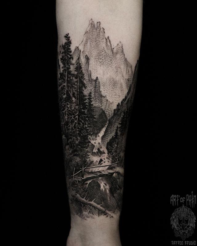 Татуировка мужская графика на предплечье пейзаж с горами – Мастер тату: Слава Tech Lunatic