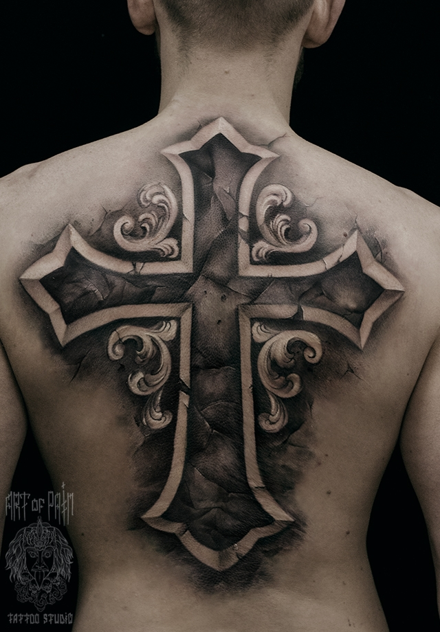 Татуировка мужская чикано на спине крест – Мастер тату: Слава Tech Lunatic