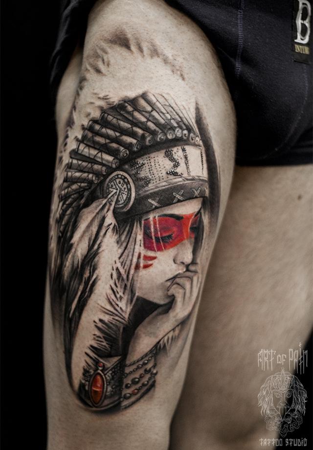 Татуировка мужская black&grey на бедре Скво – Мастер тату: Слава Tech Lunatic