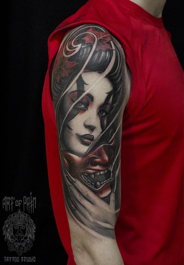 Татуировка мужская чикано на плече девушка с маской – Мастер тату: Слава Tech Lunatic