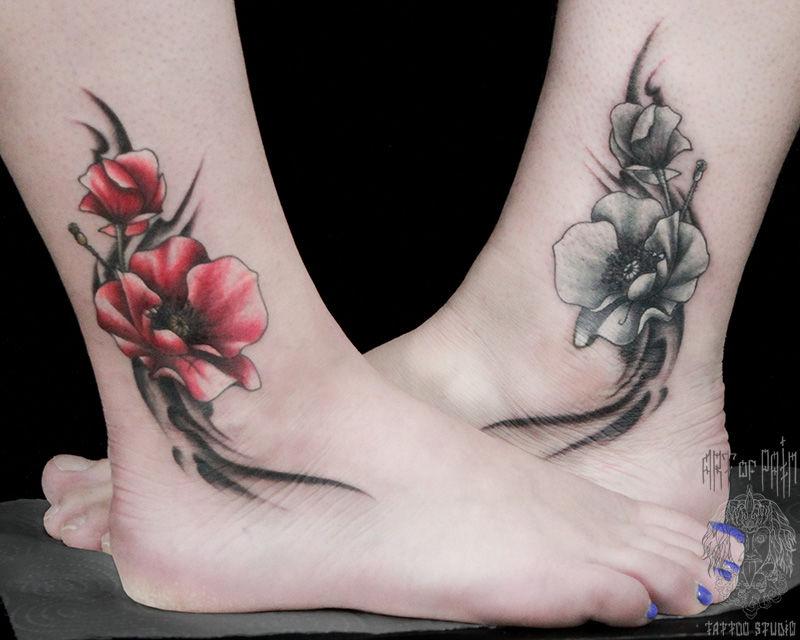Татуировка женская нью-скул на щиколотке маки – Мастер тату: Анастасия Родина