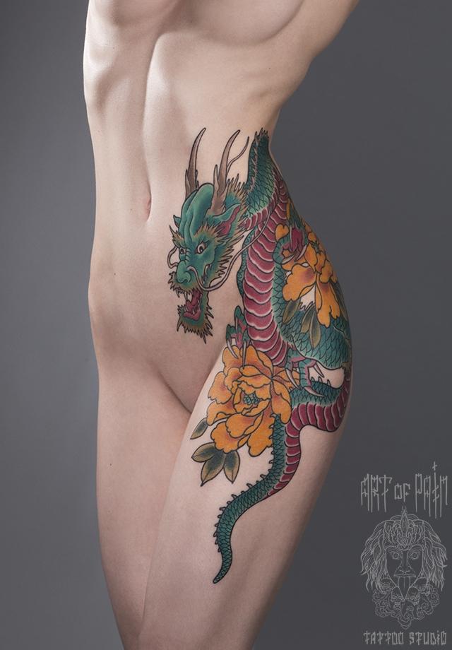 Татуировка женская япония тату на боку дракон – Мастер тату: Ольга Добрякова