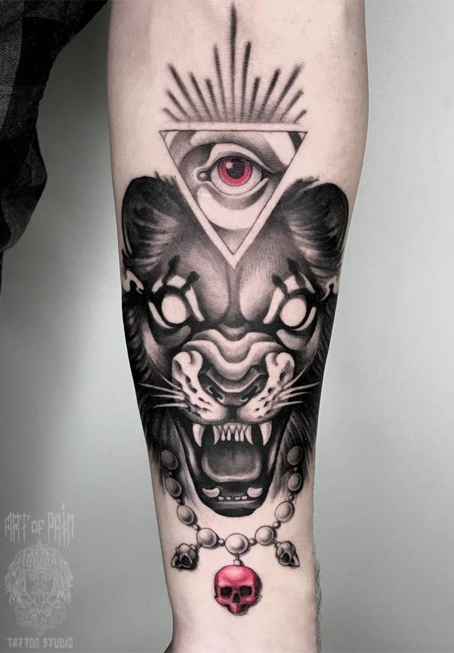 татуировка мужская дотворк на предплечье лев и глаз – Мастер тату: