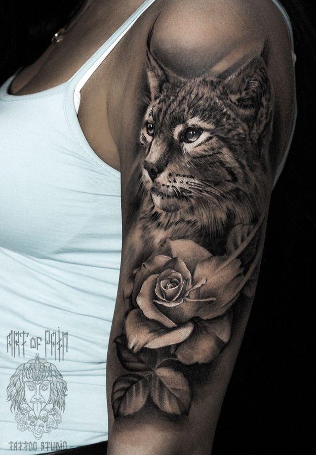 Татуировка женская реализм на плече рысь и роза – Мастер тату: Слава Tech Lunatic