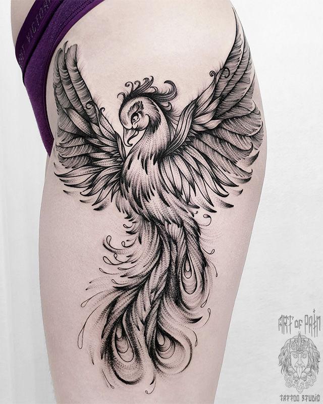 Татуировка женская графика на бедре феникс – Мастер тату: Юлия Линту