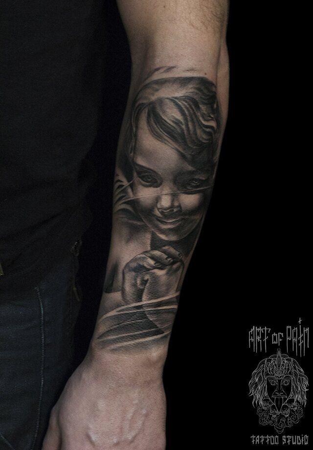 Татуировка мужская реализм на предплечье портрет ребёнка – Мастер тату: Слава Tech Lunatic