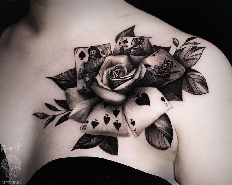 Татуировка женская чикано на ключице роза и карты – Мастер тату: Слава Tech Lunatic