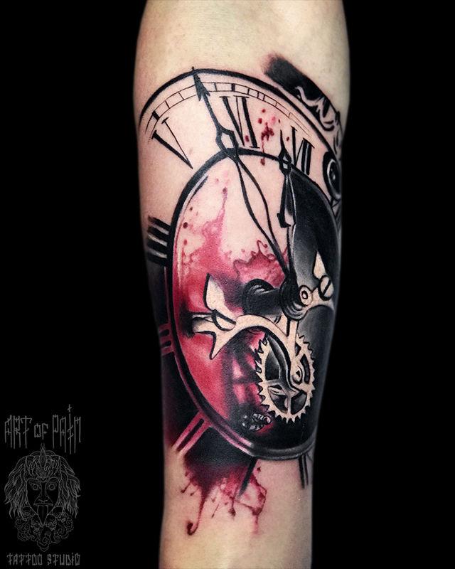 Татуировка мужская реализм на предплечье часы – Мастер тату: