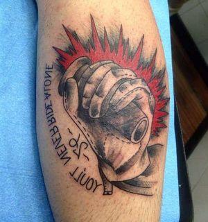 Байкерская татуировка на руке