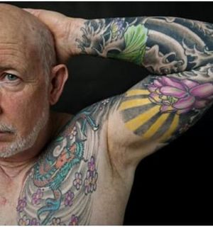 Что происходит с татуировками в старости