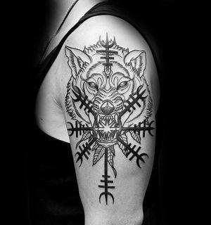Тату скандинавской тематики: волк Фенрир